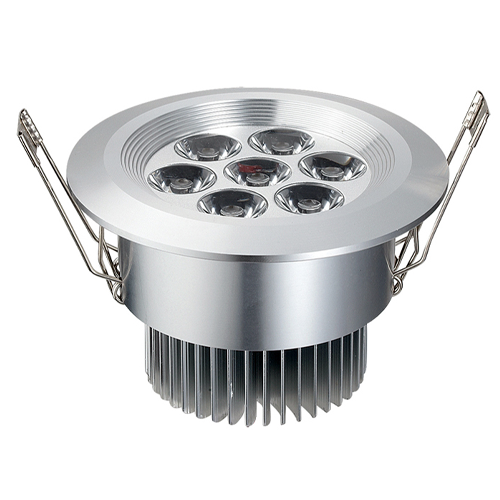 7 Watt LED Recessed Light Fixture - Aimable and Dimmable